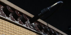 how to prevent guitar amp feedback
