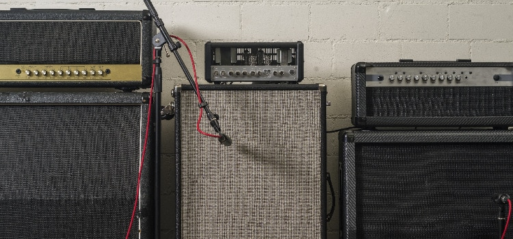 do guitar amp heads have speakers