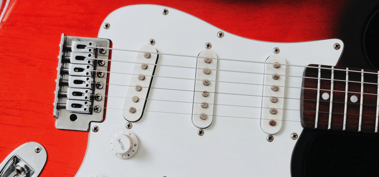 why do guitar pickups go microphonic