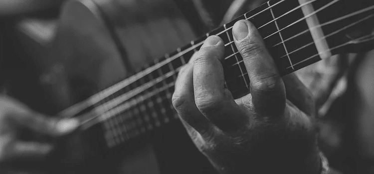 fingers too fat for guitar