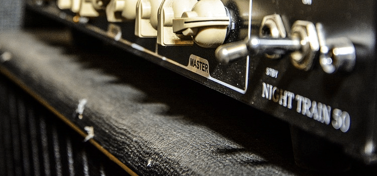 how to turn on a tube amp