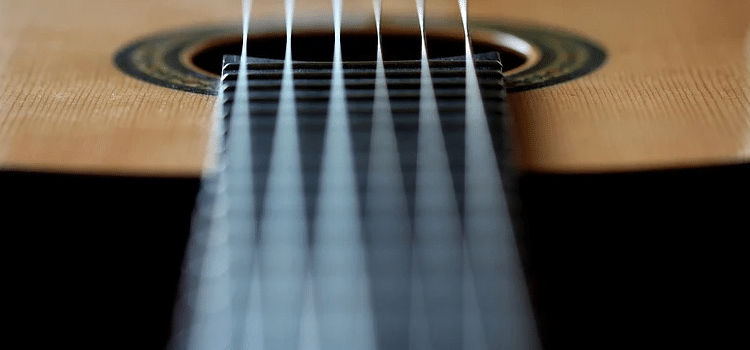 light vs medium guitar strings