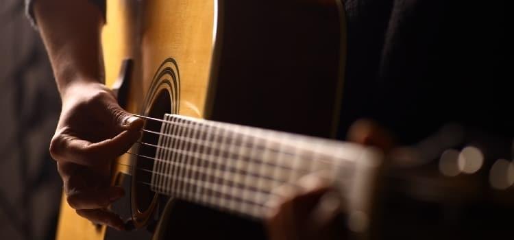 best acoustic guitar under 400