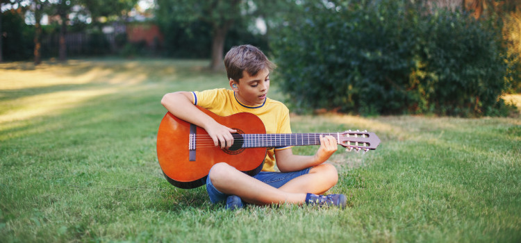 best 3/4 scale acoustic guitar for kids