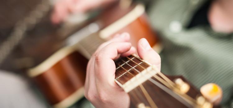 best beginner 3/4 acoustic guitar for a first starter guitar