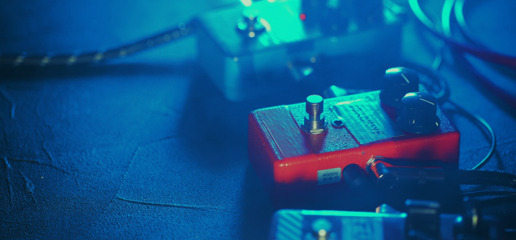 what do distortion pedals do