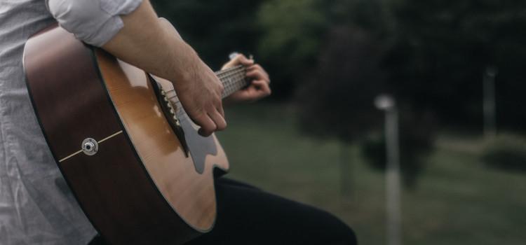 acoustic guitar open up