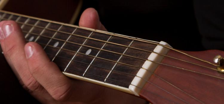 do guitar strings go bad